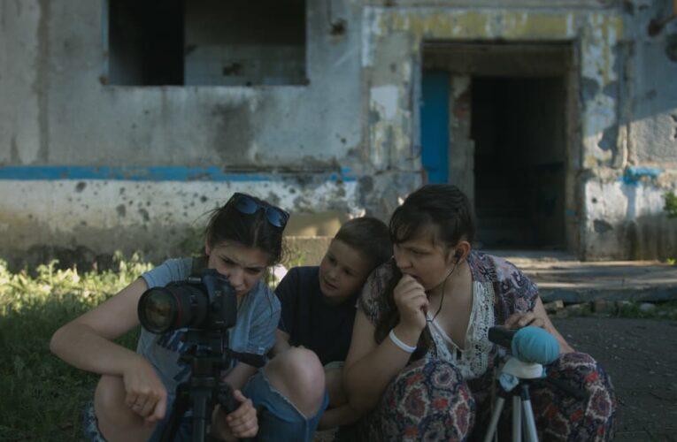 """Фільм """"Земля блакитна, ніби апельсин"""" вийде в прокат 26 листопада (трейлер)"""