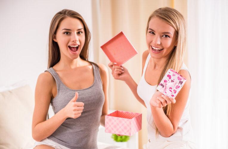Подарунки подрузі: що обрати та як здивувати споріднену душу