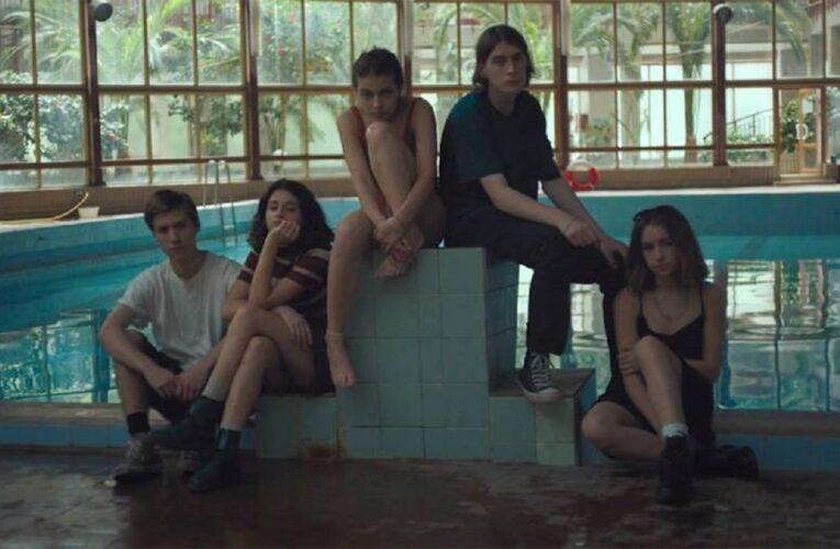 Вышел тизер фильма «Когда нам было 15» о подростках из 90-х