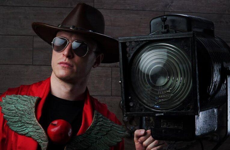 """""""Apple-Man"""": дивіться backstage зі зйомок фільму про супергероя"""